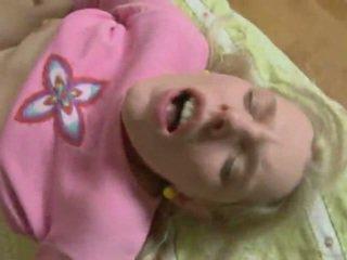 Magrinha jovem grávida gets fodido difícil em o cu. anal ejaculação interna