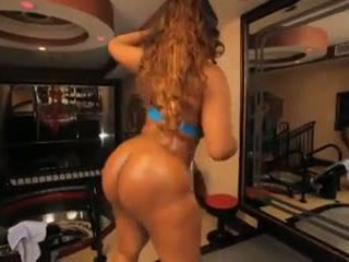Layla monroe strips & takes negra rabo, porno 9a