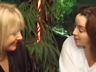 Femme fontaine de 40 ans, bezmaksas māte porno video 8a