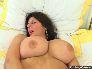 Uk milfs lulu lush และ silky thighs จำเป็นต้อง orgasmic.