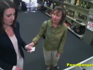 Easy customer takes jago in her upslika cunt for dollars