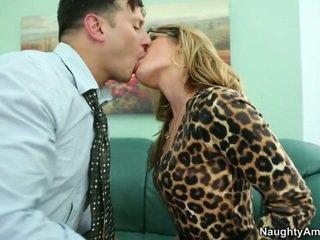 Pleading par viņai līdz glabāt viņam par līdz licking viņai vāvere