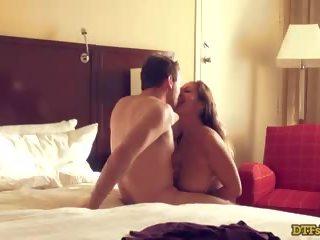 Ava addams en james deen in een hotel kamer: gratis hd porno df