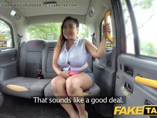 Fake taxi taieši masseuse ar liels bumbulīši works viņai magic