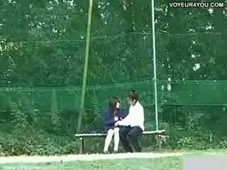 Daylight seks bij de bench