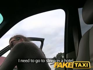 Faketaxi stranded γαλλικό τουρίστας earns extra λεφτά