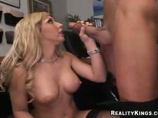 Blondīne krūtainas jessica lynn blows a ma holeive meat ramdick