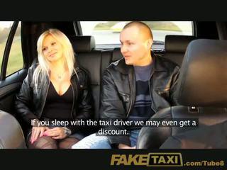 Faketaxi echtgenoot watches vrouw getting geneukt
