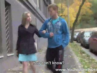 حار لاعبو الاسطوانات اللعنة في سن المراهقة طلب كود التفعيل