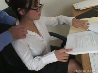 하드 코어 섹스, 사까시, 사무실 섹스