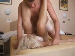Amateur mature getting a good fuck Video
