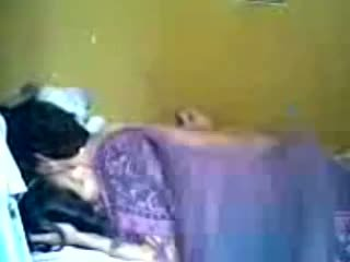 Indonezijke romantic najstnice par znamka ljubezen v spalnica