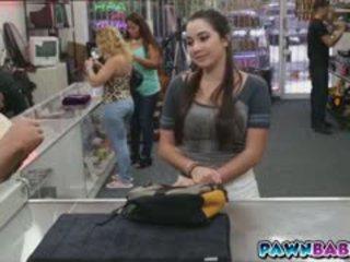 brunette, store bryster, offentlig
