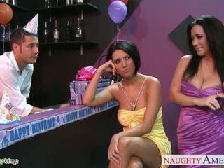Krūtainas babes dylan ryder un jayden jaymes sharing a stud pie ballīte