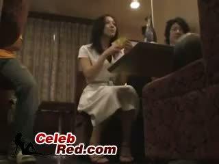 Dronken japans meisje geneukt in bar toilet dronken