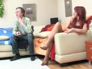 Nerd seduced oleh redheaded milf
