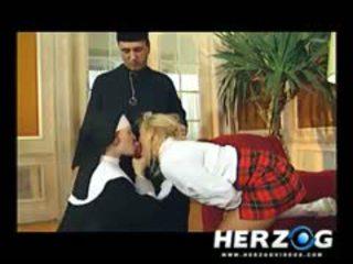 Bavarian murid wedok and biarawati banged hard by priest