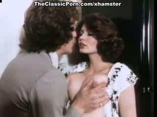 Desiree cousteau in vintage seks scène