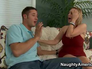 Xxx occurs коли сексуальна матуся desires a hunky підліток
