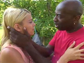 Anna il bello bionda has shaged da bianco e africano guys