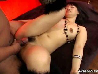 Akane ozora gets båda av henne holes fucked1