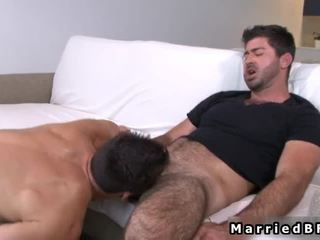 Verheiratet fellow acquires sexy gay blowjob