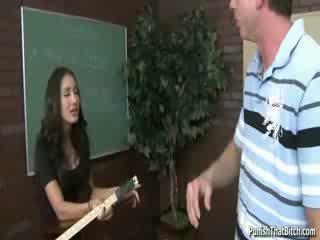 Student lehrer amia miley bestraft