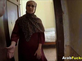 Miskin arab gadis desperate untuk wang sucks dan fucks