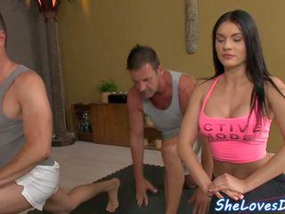 Kotě threeway fucked po yoga, volný vysoká rozlišením porno 82