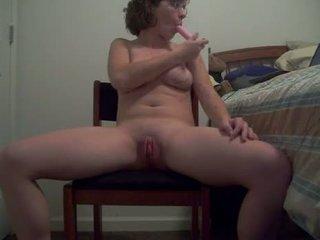 Grdo kurba s vroče telo puts a dildo up ji rit