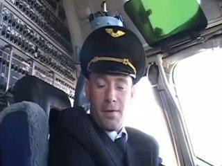 Mycket het stewardessen seducing henne favorit pilot-