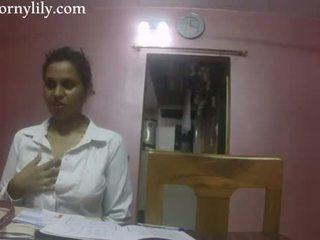 Indiai szex tanár kívánós lily szeretet lesson