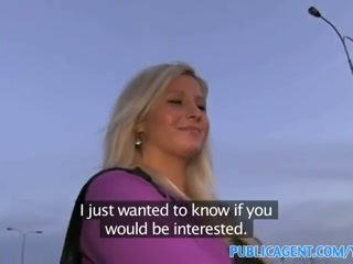 Publicagent curvy blonde accepts sexe pour argent offre à bus arrêtez