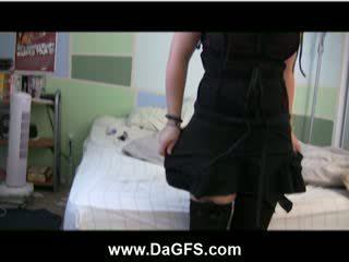 Emo slet samora zwart lingerie stripteasing