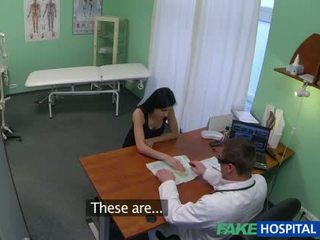 Glamour patient fucked with fake doctor