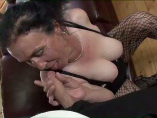 Porner premium: gros seins brunette vieille gets coquin chatte pounding