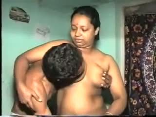Desi aunty šūdas: nemokamai indiškas porno video 7b