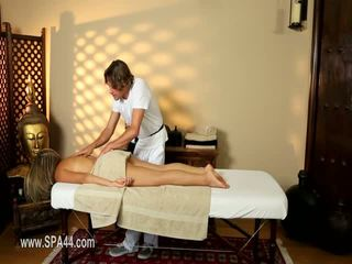 Arm vrouwen banged hard in speciaal masseur