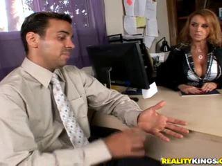 Pornoster eerste hardcore