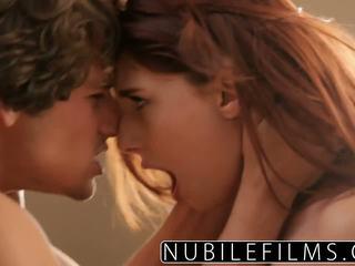 ช่องปากเพศ, วัยรุ่น, จูบ