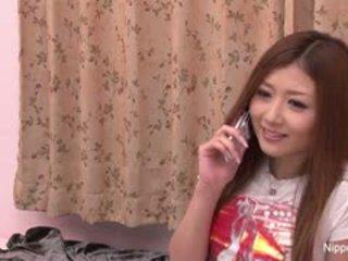 Innocent japanska flicka gets henne först taste av balle