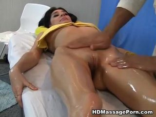 Massage leads naar heet seks