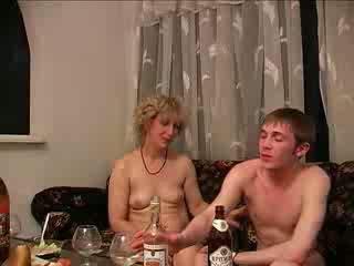 취한, 엄마와 소년, 하드 코어