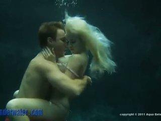 Whitney taylor - підводний секс
