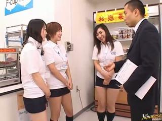 Jaapani av mudel sisse a piss video
