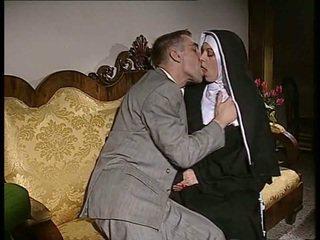 Verlegen non gets haar bips geneukt en gezicht spermed