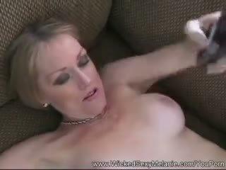 Amateur Cumslut Melanie MILF