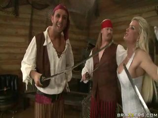 Een kings wife down onto the pirates reus vlees sword