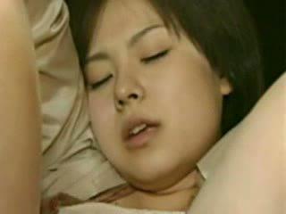 Mamá y hija going trough horror - loca japonesa mierda vídeo