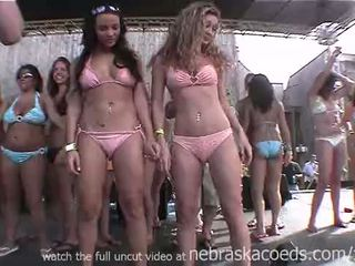 Whipped cream tepels licking eerste tijd nervous hogeschool lesbisch wedstrijd